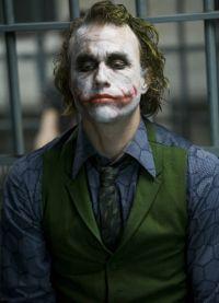 за роль Джокера в Темном рыцаре Хит Леджер получил Оскар посмертно