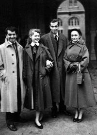 Бриджит Бардо и ее муж Вадим с друзьями