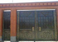 Iron gate5