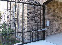 Iron gate7