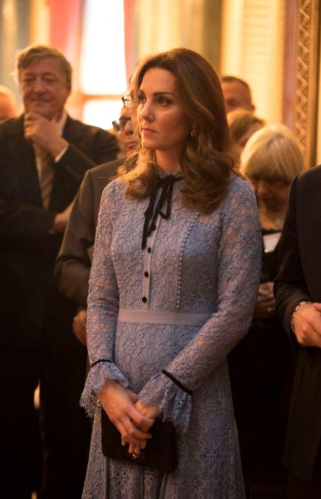 Голубой цвет очень к лицу герцогине