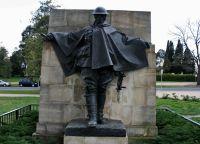 Памятник на территории Монумента