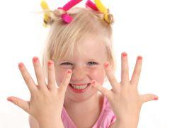 dlaczego paznokcie dziecka są cienkie