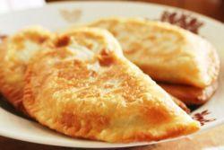 Рецепта на Cheburek със сирене у дома
