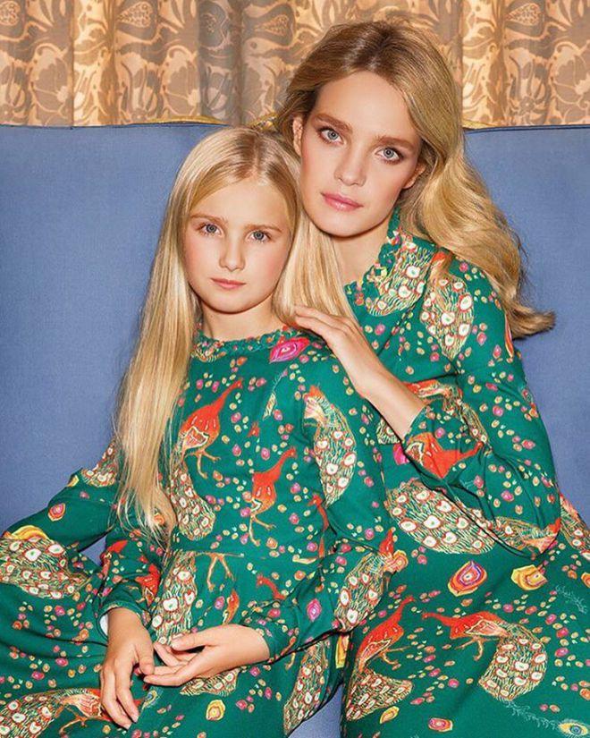Наталья Водянова с дочерью на фотосессии