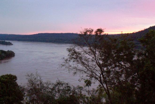 Закат на реке Уругвай