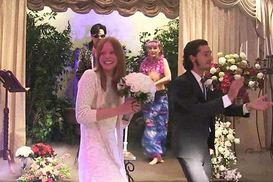 Шайя Лабаф и Мия Гот официально не женаты