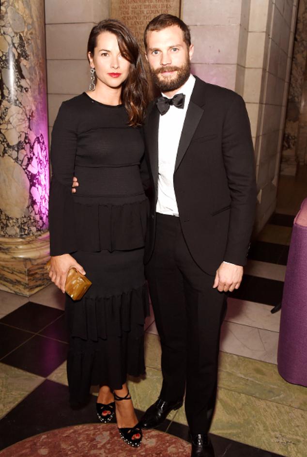 Амелия Уорнер и Джейми Дорнан на благотварительном вечере в Лондоне