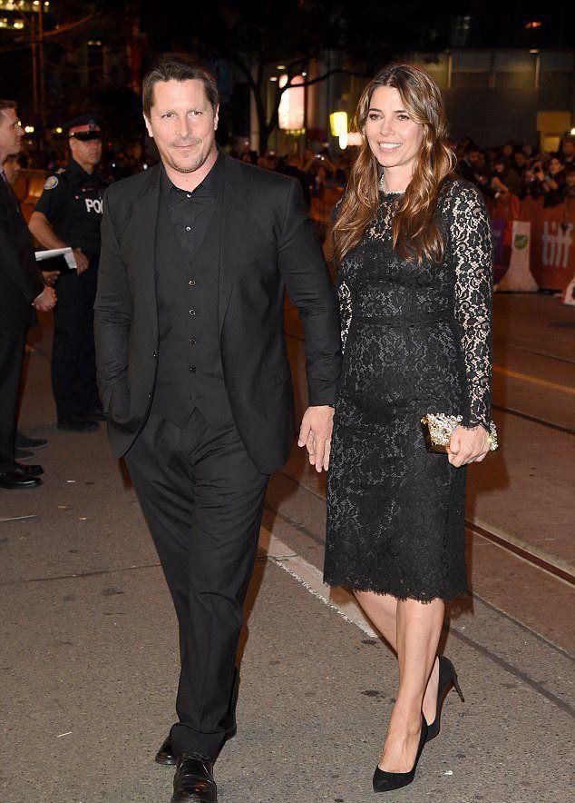 Кристиан Бейл с женой Сиби Блэйзик на Toronto Film Festival