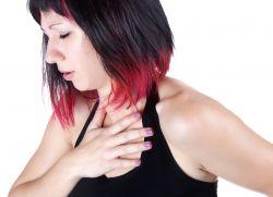 Лијевање желудачног сокова у једњаку и грло