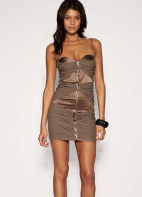 Dopasowana sukienka 5