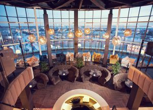 Ресторан The Panoramic Bar & Restaurant внутри