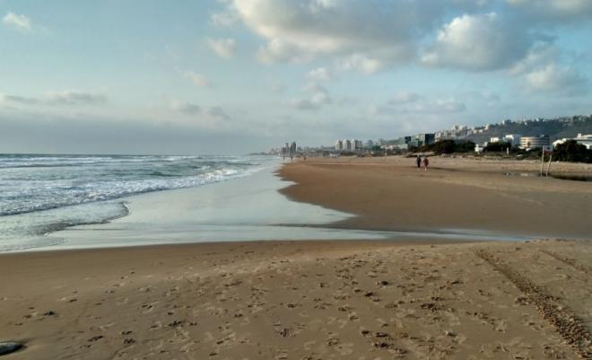 Пляж в Тират-Кармель