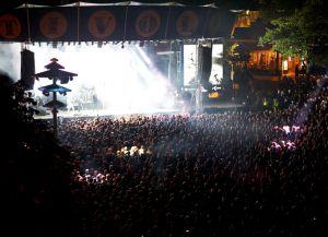 Рок-концерт на площадке Тиволи