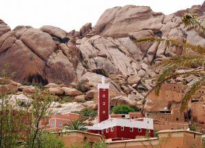 Красная мечеть в Тизните