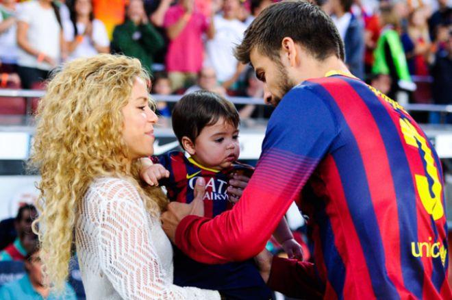Шакира и Жерар Пике с их сыном Миланом