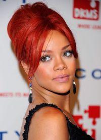 kdo má červenou barvu vlasů 7