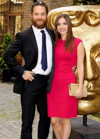 Том Харди и его жена - красивая пара