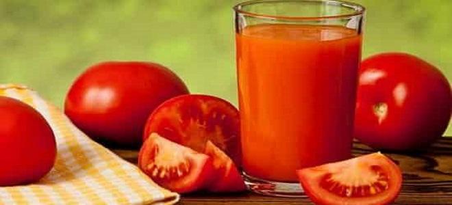 парадајз сок у соковом кухињом за зимски рецепт