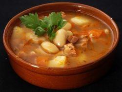 rajská polévka s bílými fazolemi