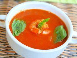 rajčatová polévka s krevetou