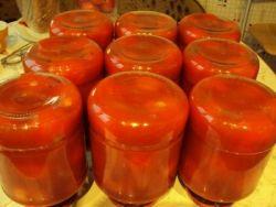 zbierać pomidory w ich własnym soku