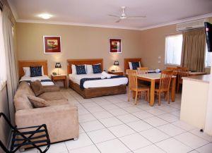 Отель Cascade Motel In Townsville