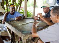На Барбадосе обожают ром, пляжи и домино