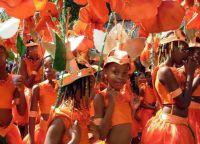 Дети также участвуют в костюмированном параде