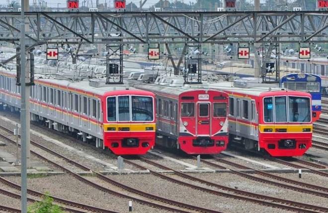Поезда в Джакарте