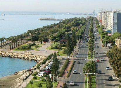 Движение на Кипре левостороннее