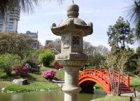 Японский сад в парке Трес-де-Фебреро