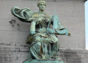 Скульптуры олицетворяют собой провинции Бельгии