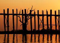 Мост перед закатом
