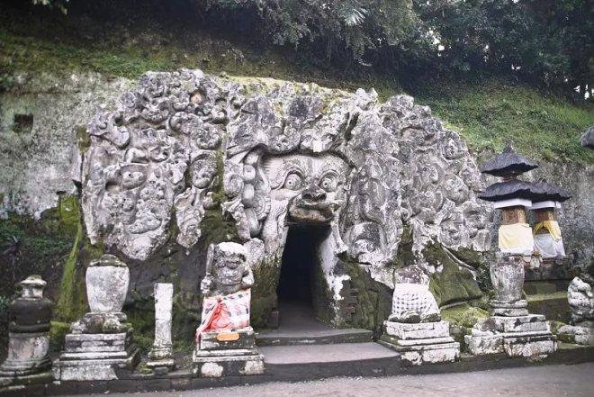 Слоновья пещера в Убуде