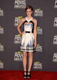 niezwykłe sukienki 2014 9