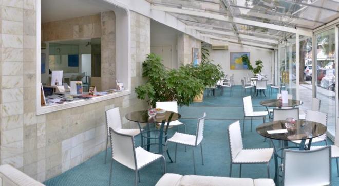 Отель 3 звезды Aqua Hotel