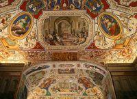 Фрески в одном из залов апостольской библиотеки