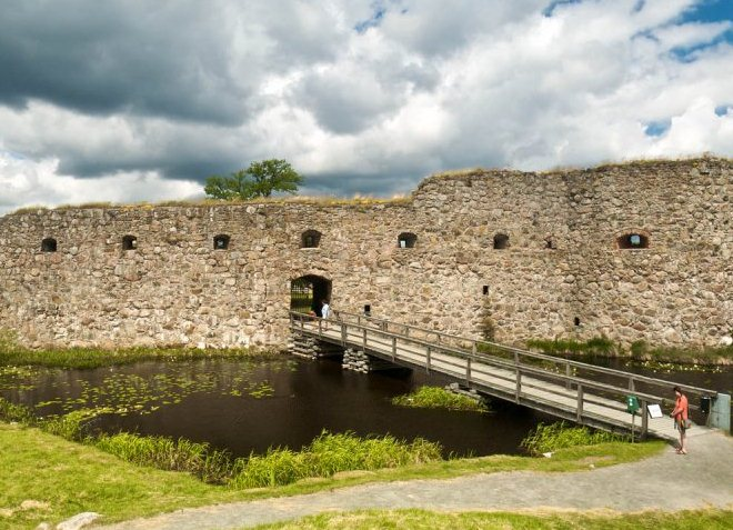 Руины замка Крунуберг