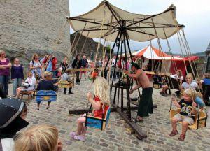 Исторический средневековый фестиваль в замке