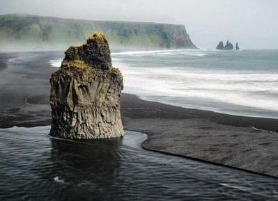 Черный пляж - Рейнисфияр