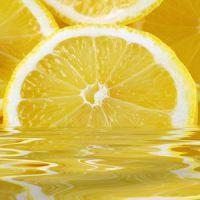 kako kuhati vodo z limono