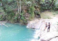 Прыжки с тарзанки с водопада Блю Хоул