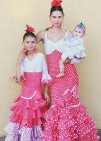 Бьянка Балти с дочками - старшей Матильдой и младшей Мией
