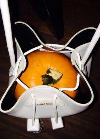 Тыква в сумке от Tom Ford