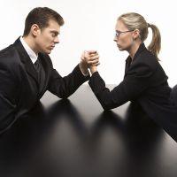 како манипулирати супругом