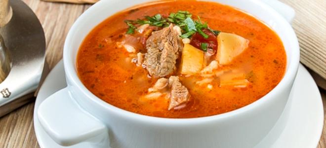 Gotuj zupę wieprzową szybko i smacznie