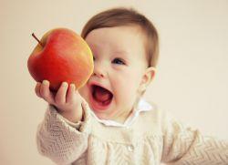 co ovoce může dítě za 11 měsíců