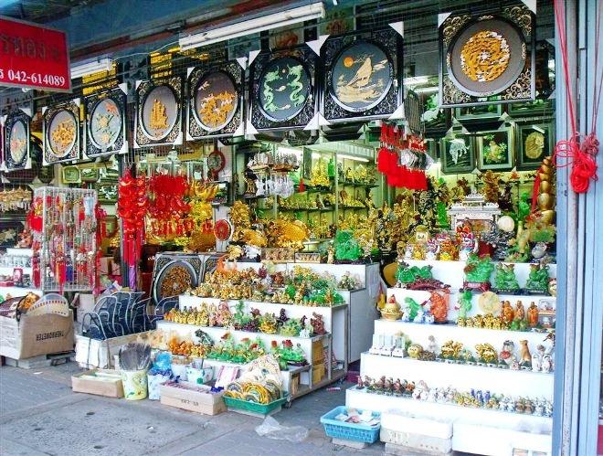 Лавка сувениров в Лаосе