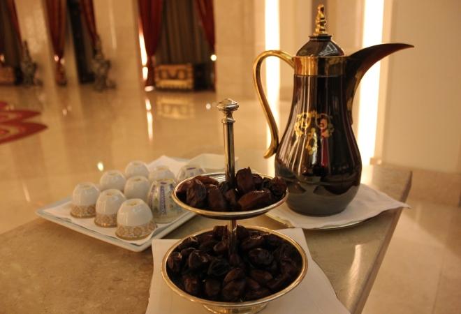 Чай и финики из Омана